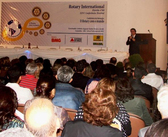 Dr. Luiz ministrou palestra na cidade de Caxambu/MG, durante a XXVI Conferência do Rotary International, Distrito 4760